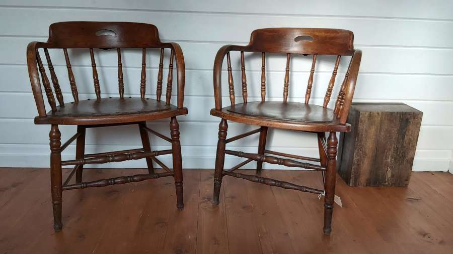 C1900 oak spindle back tub chairs