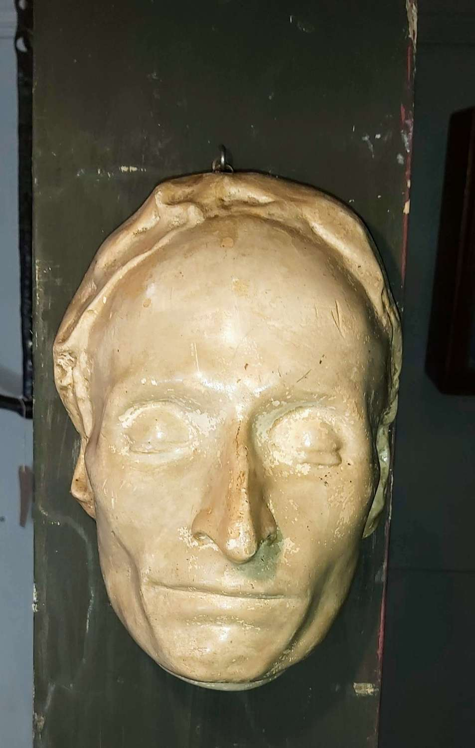 A 18th century death mask of Blaise Pascal