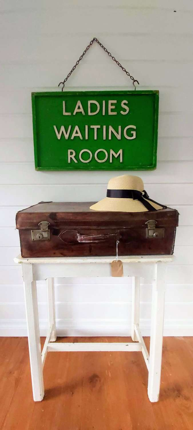 Ladies waiting room sign