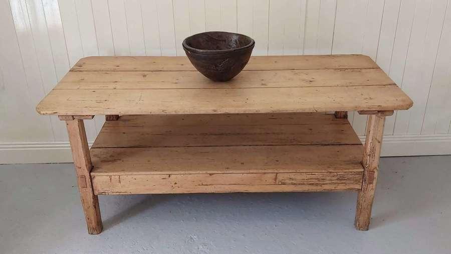 19th century Irish pine Settle table
