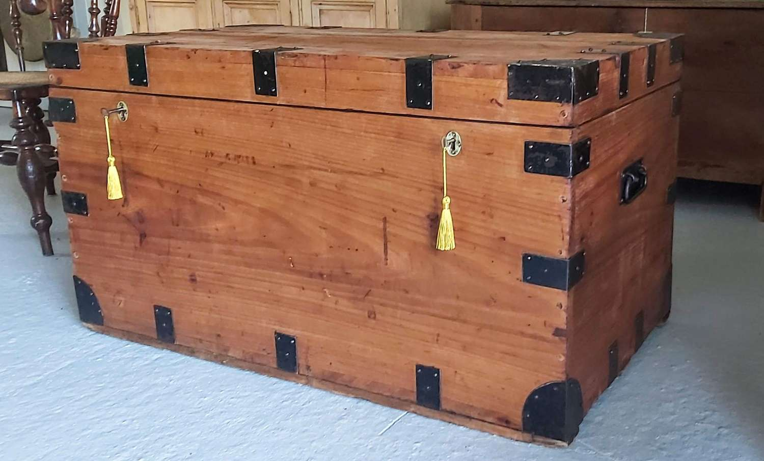 Early 20th century Campaign Chest